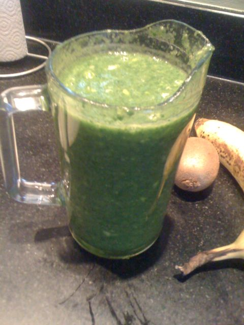 Groene smoothie spinazie ananas