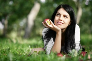 happy-woman-apple
